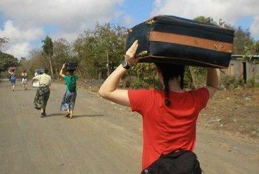 Koffer tragenKoffer tragen